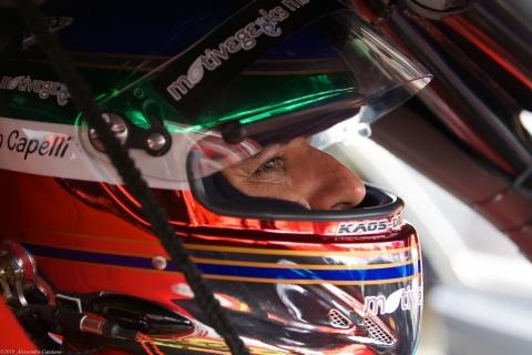 La concentrazione di Ivan Capelli poco prima della partenza del FIA GT - Vallelunga 2006