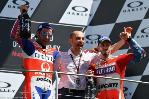 Gioia di Claudio Domenicali  tra Danilo Petrucci e Andrea Dovizioso ... rispettivamente primo e terzo al GP d'Italia 2019